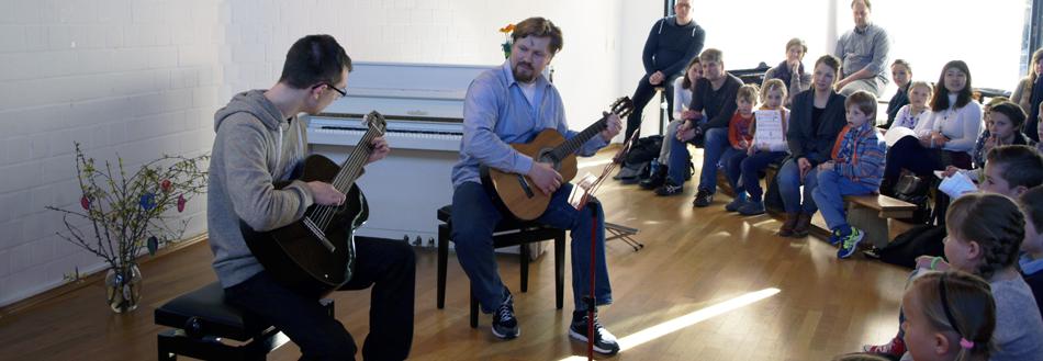Yaroslav Rudenko (Gitarrenunterricht); Foto: Musikschule GlasHaus, Detmold