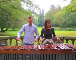Die Duo Partner-Kaori Kamada und Vesselin Trayanov