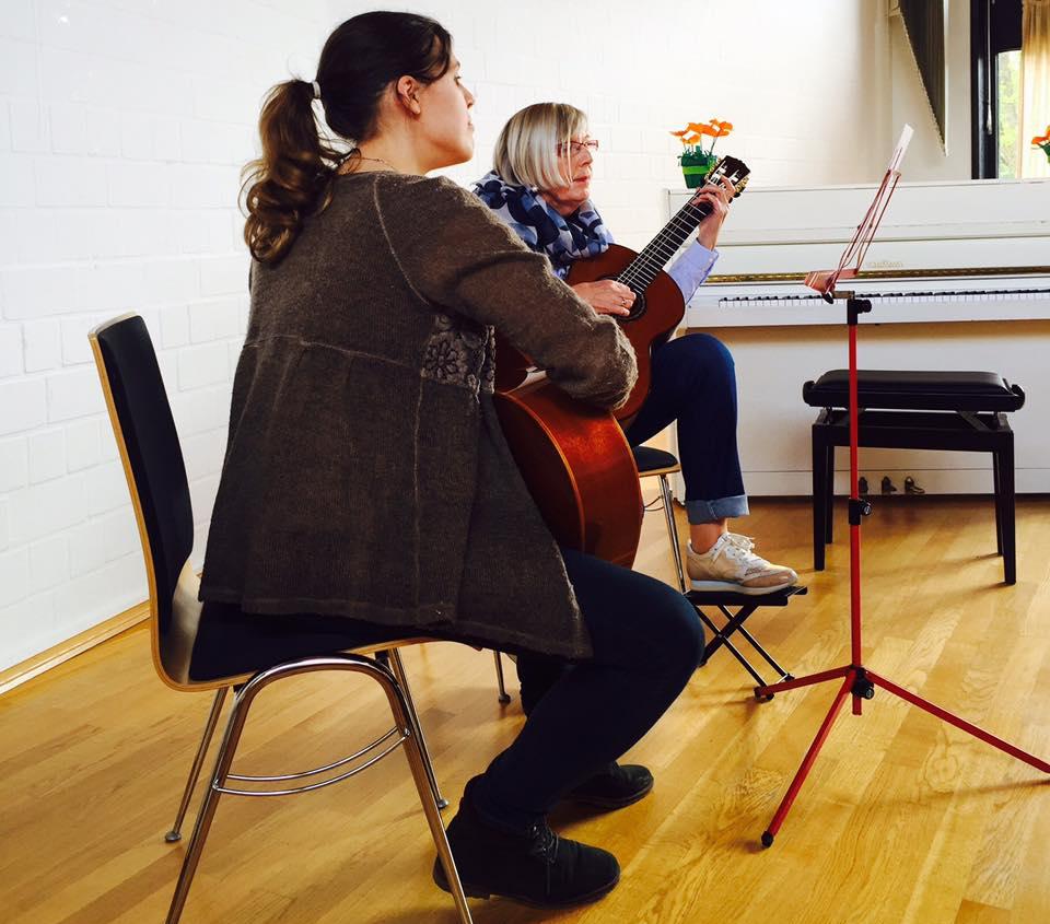 aufbaukurs-akustische-gitarre